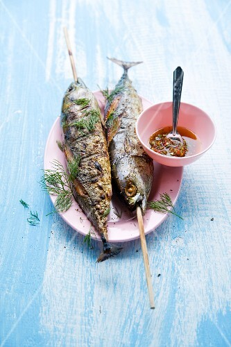 Pla Ooh Yang (whole grilled tuna fish, Thailand)