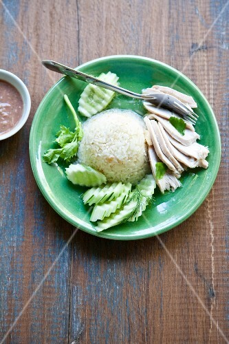 Khao Man Gai (ginger chicken with rice and cucumber, Thailand)