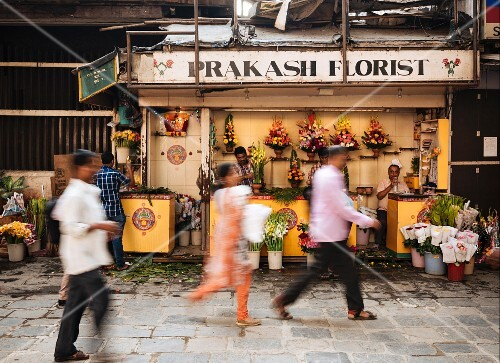 A flower stall (Mumbai, India)
