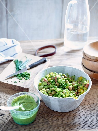 Edamame salad with pink beans