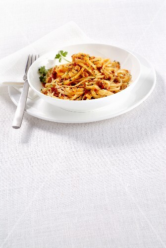 Trenette with dried tomatoes and breadcrumbs