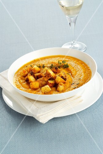 Cream of pumpkin soup with panettone croutons