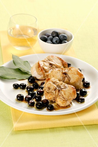 Rabbit with olives and blueberries