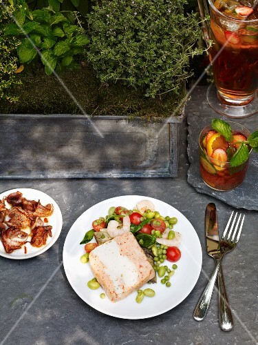 Terrine with vegetable salad and Pimms for a picnic