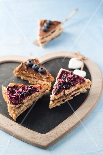 Bread cake with blueberries and chocolate cream