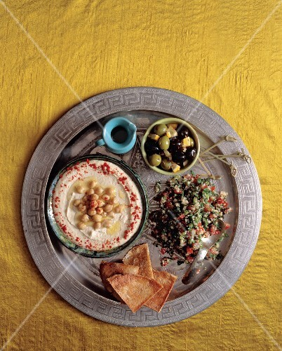 Mezze (a selection of small dishes, Lebanon)