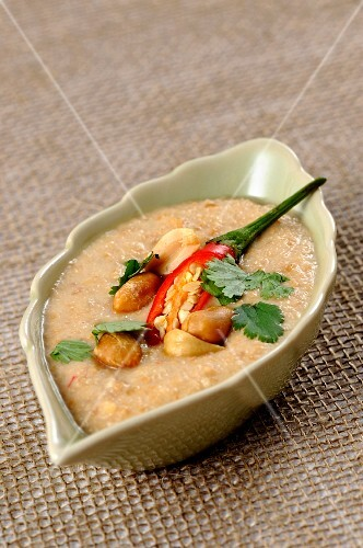 Peanut sauce with chilli and coriander