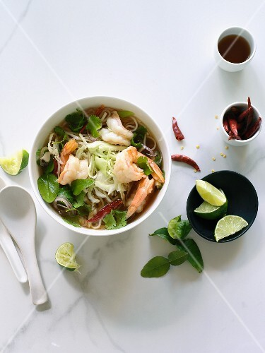Pho bo with prawns (soup with rice noodles, Vietnam)