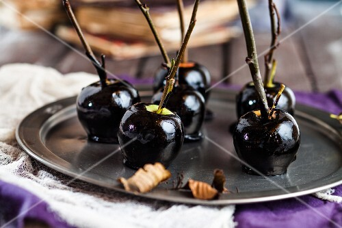 Black toffee apples for Halloween