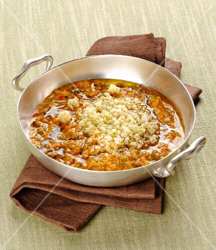 Bulgur in a vegetable and anchovy sauce