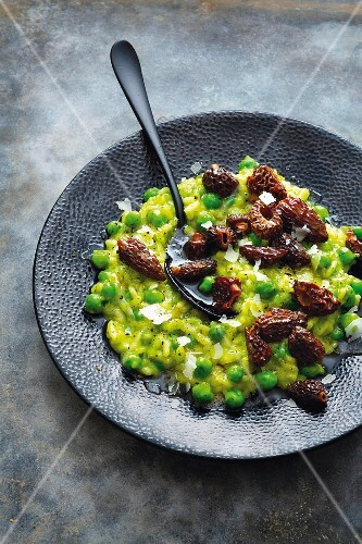 Pea risotto with morel mushroom nut butter