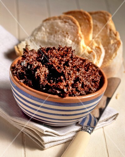 Caviale di Crucoli (anchovy paste with chilli and fennel seeds, Italy)