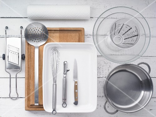 Kitchen utensils for making bakes