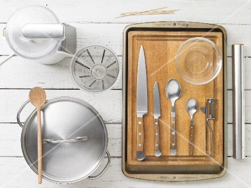 Kitchen utensils for making meat and vegetables