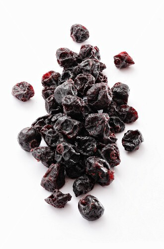 Dried blackcurrants