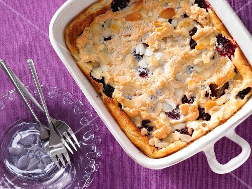 Blackberry and semolina bake with flaked almonds
