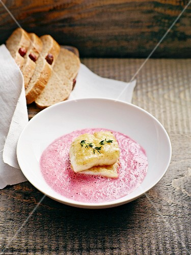 Beetroot soup with pan-fried zander fillet