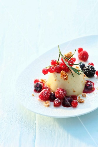 Rosemary cream with berry compote and Amaretti crumbs
