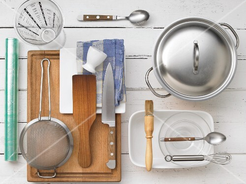 Kitchen utensils for preparing sushi