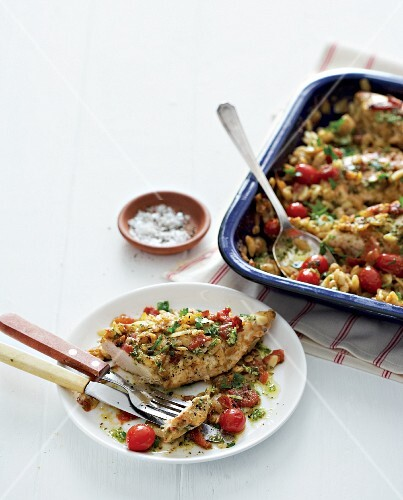 Risoni bake with chicken breast, pesto and cherry tomatoes