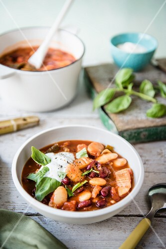 Bean stew with basil and sour cream