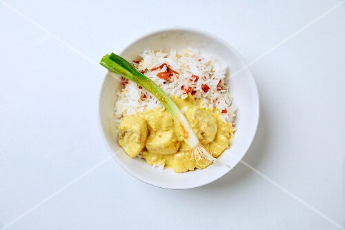 Fish curry with goji berry rice and spring onions