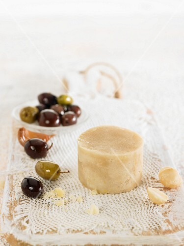 Vegan macadamia nut cheese
