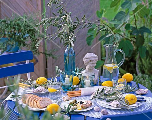Tischdeko Griechisch Bild Kaufen Friedrich Strauss
