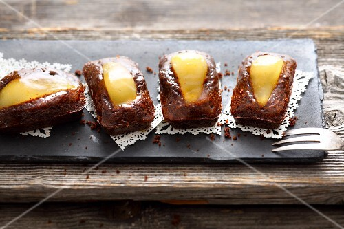 Small chocolate and pear cakes
