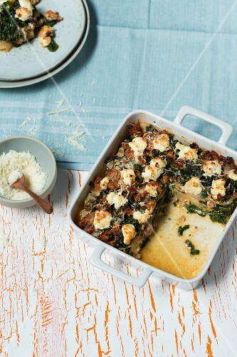 Lasagne with Shirataki noodles, salsiccia and spinach (low carb)