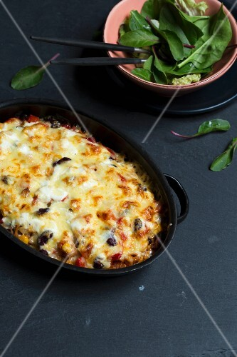 Tex Mex pasta bake with Shirataki fettuccine (low carb)