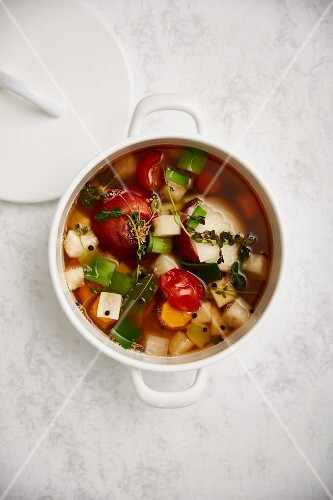 Vegetable broth with herbs
