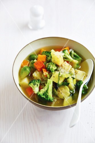 Vegetable stew with Hokkaido pumpkin and broccoli