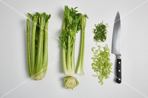 Chopping celery (step by step)