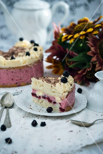 Vegan blackberry buttercream cake