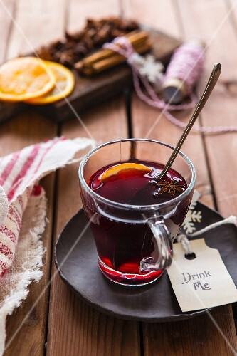 Mulled wine in a mug
