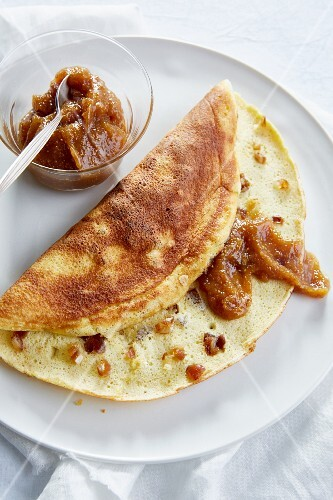 Date omelette with fig honey (diet)