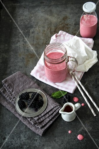 Blackberry smoothie with fresh blackberries and maple syrup