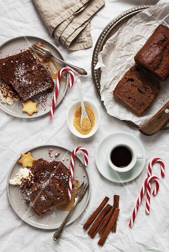 Yoghurt sponge cake with cocoa and spices (Christmas)