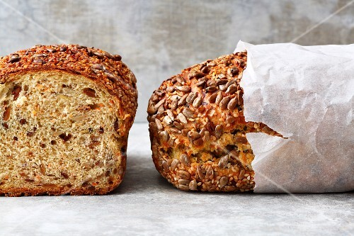 Swiss carrot bread with seeds