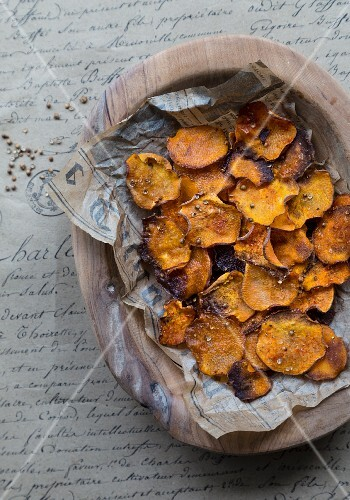 Sweet potato chips with coriander and salt