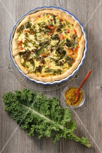 A green cabbage tart with curry