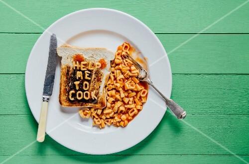 verbrannter toast mit schriftzug help me to cook aus. Black Bedroom Furniture Sets. Home Design Ideas
