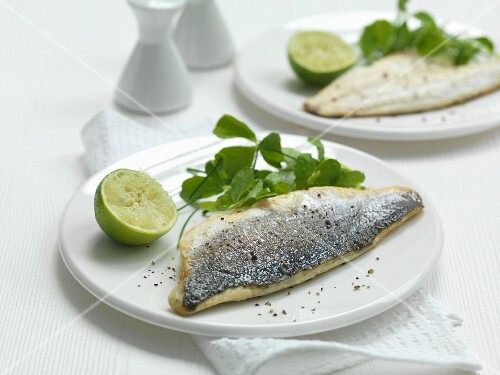 Seabass fillets with pepper and lime
