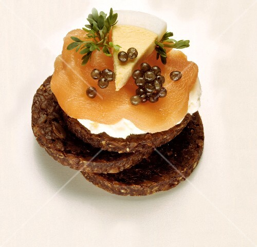 Salmon and caviar canap buy images stockfood for Dictionary canape