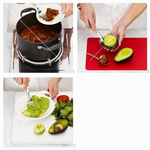 chili con carne mit guacamole zubereiten bild kaufen 12381053 stockfood. Black Bedroom Furniture Sets. Home Design Ideas