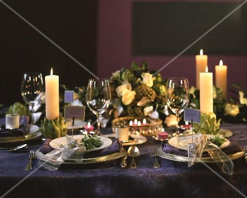 festlich gedeckter tisch bild kaufen 176329 stockfood. Black Bedroom Furniture Sets. Home Design Ideas