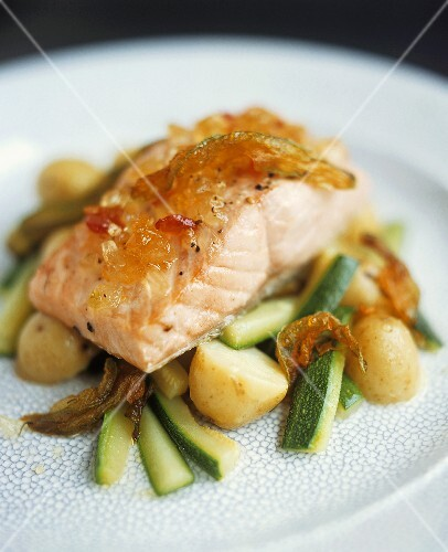 Salmone con la mostarda (Salmon with fruit mustard & vegetables)