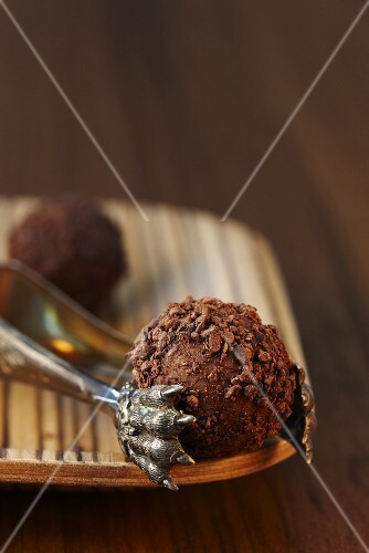 Rum truffles with a chocolate crust