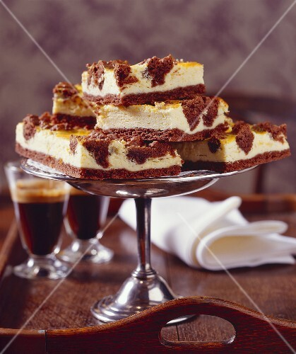 Russian cheesecake with chocolate crust